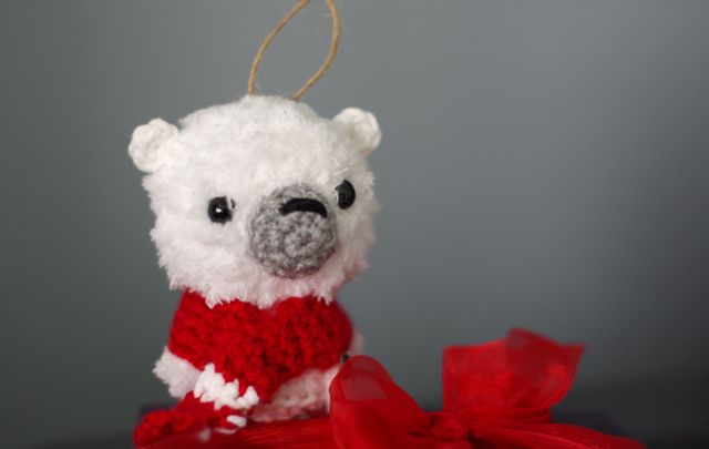 polar_bear_ornament